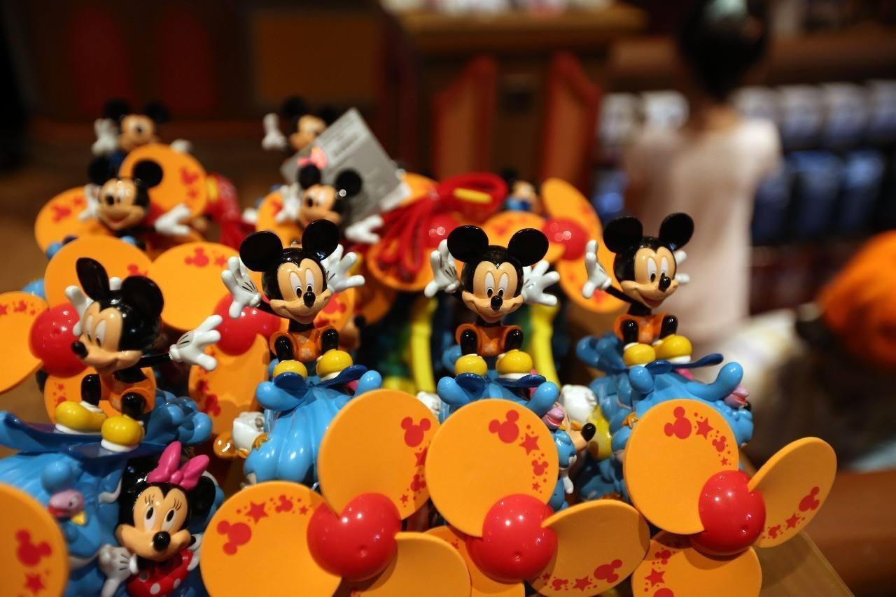 迪士尼乐园衍生玩具产品