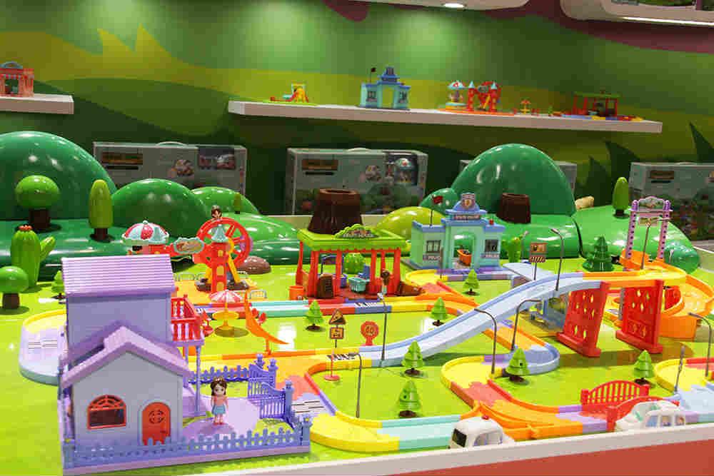 场景式轨道玩具设计